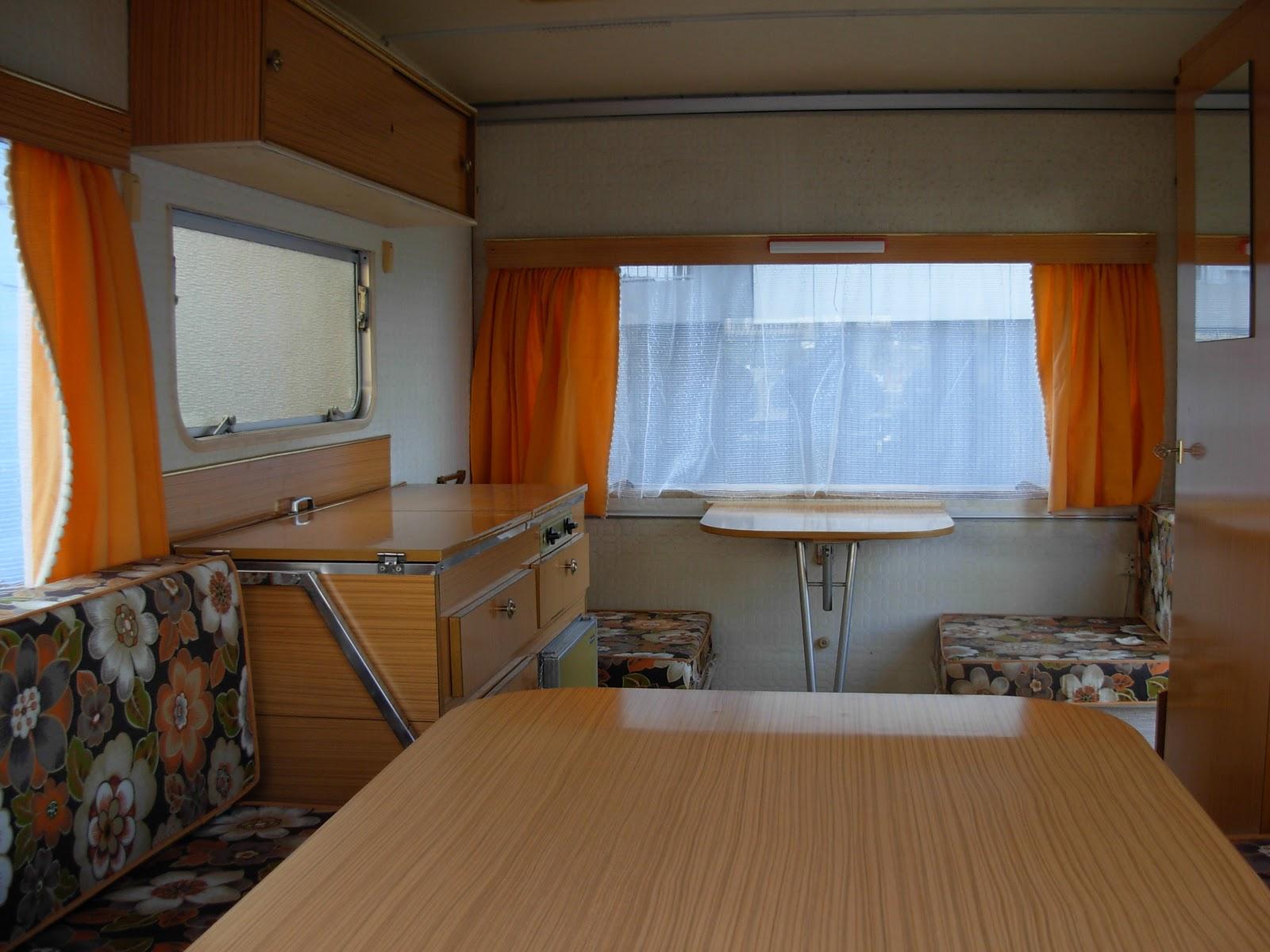 caravane esterelle je me d fais de ma caravane pliante esterelle. Black Bedroom Furniture Sets. Home Design Ideas
