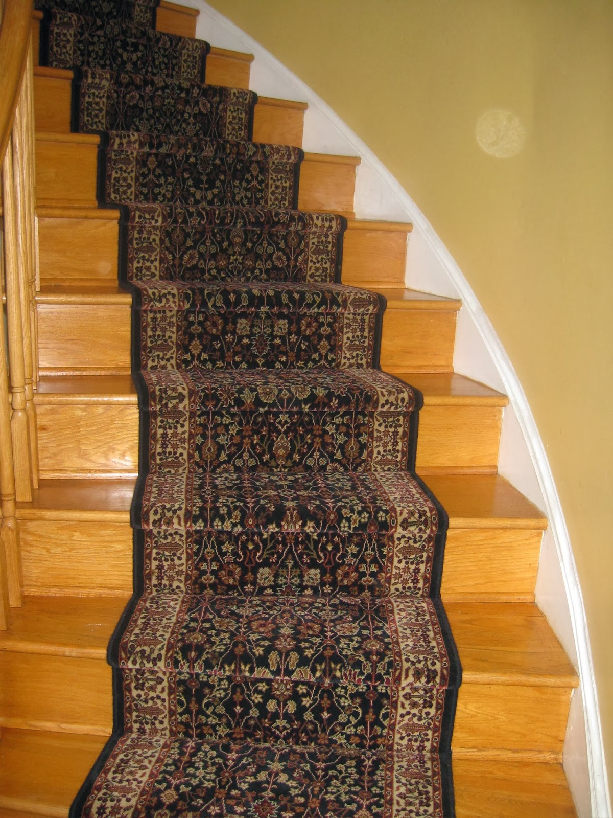 Without A Stair Runner, A Wooden Staircase Is Much More Slippery And Easy  To Fall On. By Increasing The Coefficient Of Friction, Stair Runners Make  Your ...