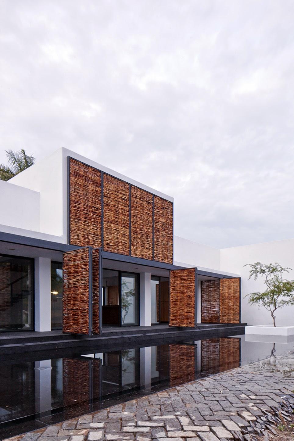 Rumah dengan Perpaduan Lokalitas dan Modernitas