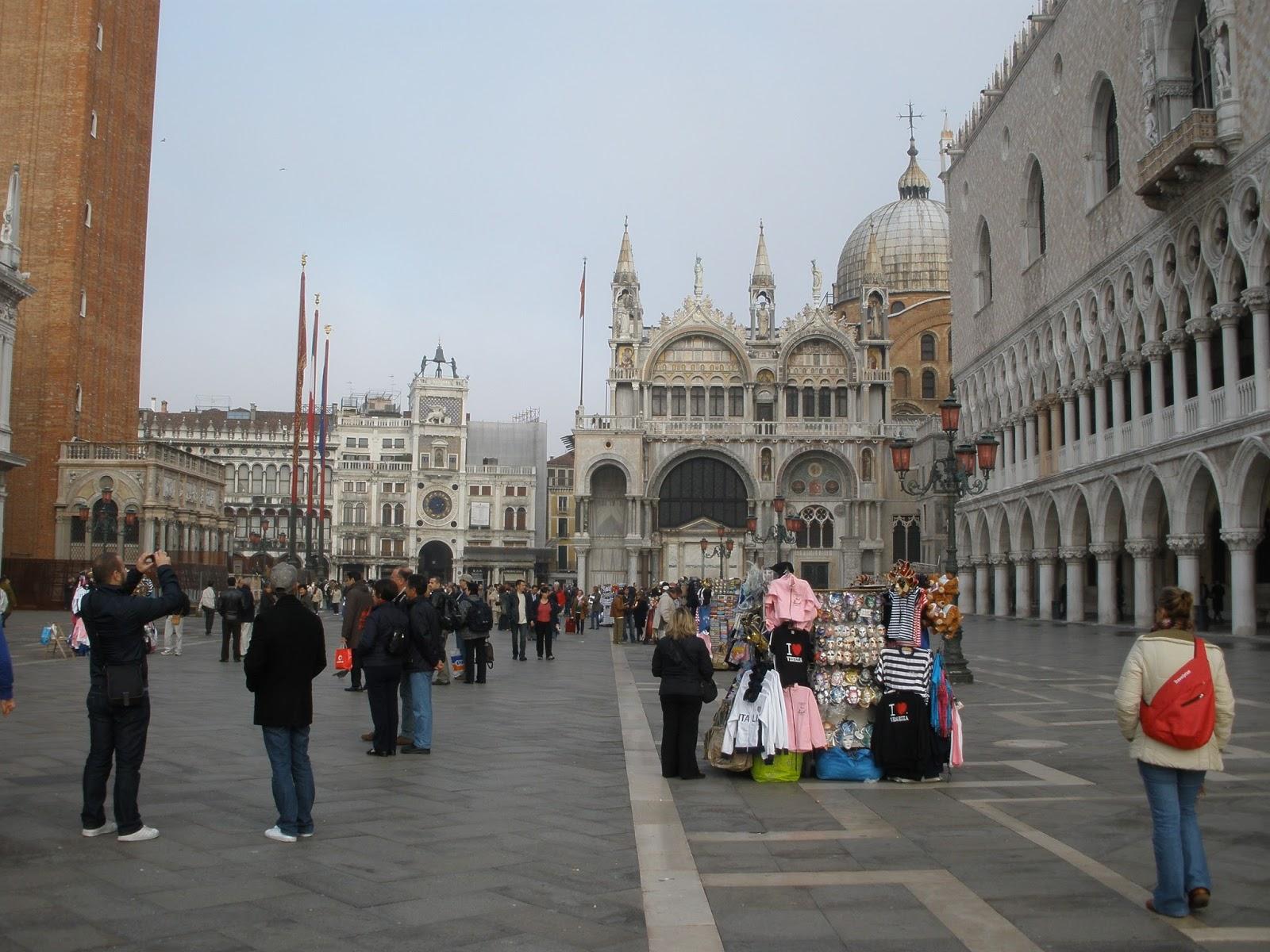 Venecia, en la entrada al Palacio Ducal y Plaza San Marcos