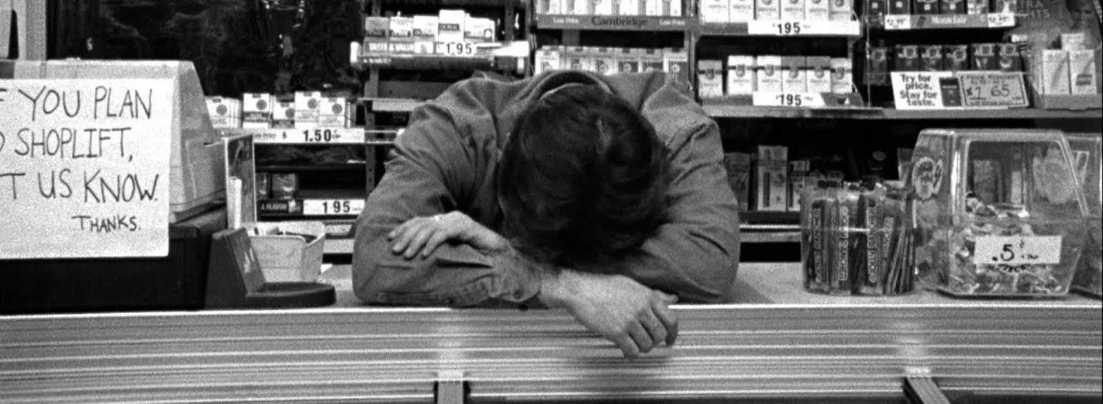 Un sufrido dependiente de una tienda de videojuegos