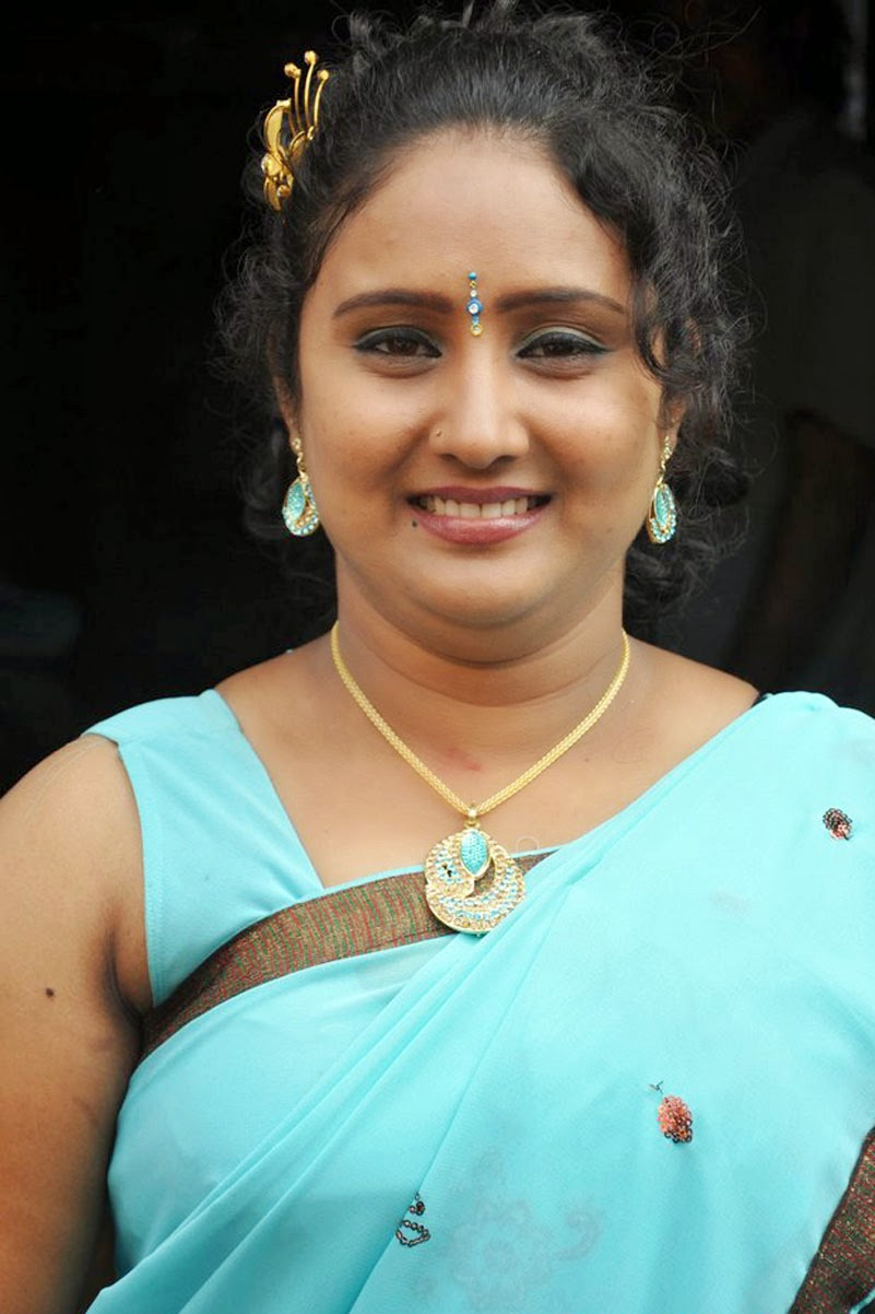 Tamil Homely Aunties Hot Photos