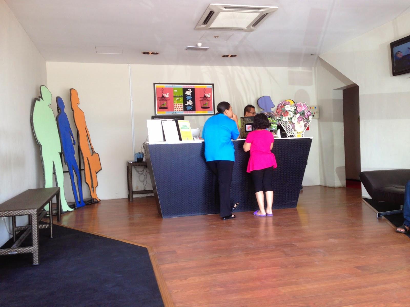 Zoom Inn Boutique Hotel reception area