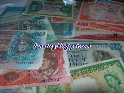 banknote collector