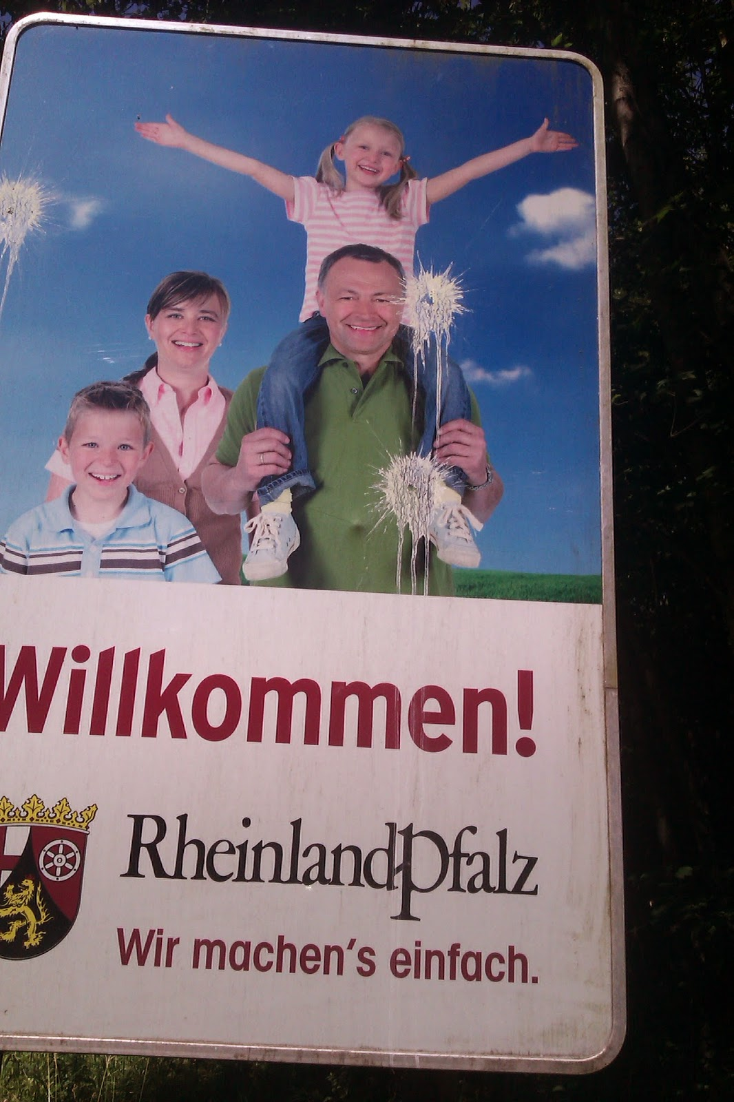 sign Rhineland Pfalz Welcome bird poop