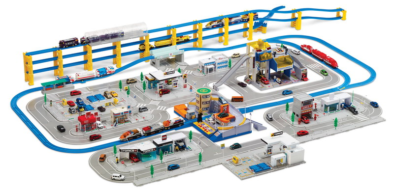 Tomica at Toys R Us