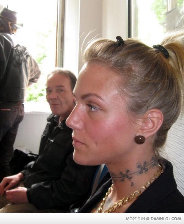 Imágenes curiosas, WTF - Página 29 Tatuaje+cuello