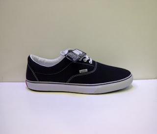 sepatu vans era hitam murah