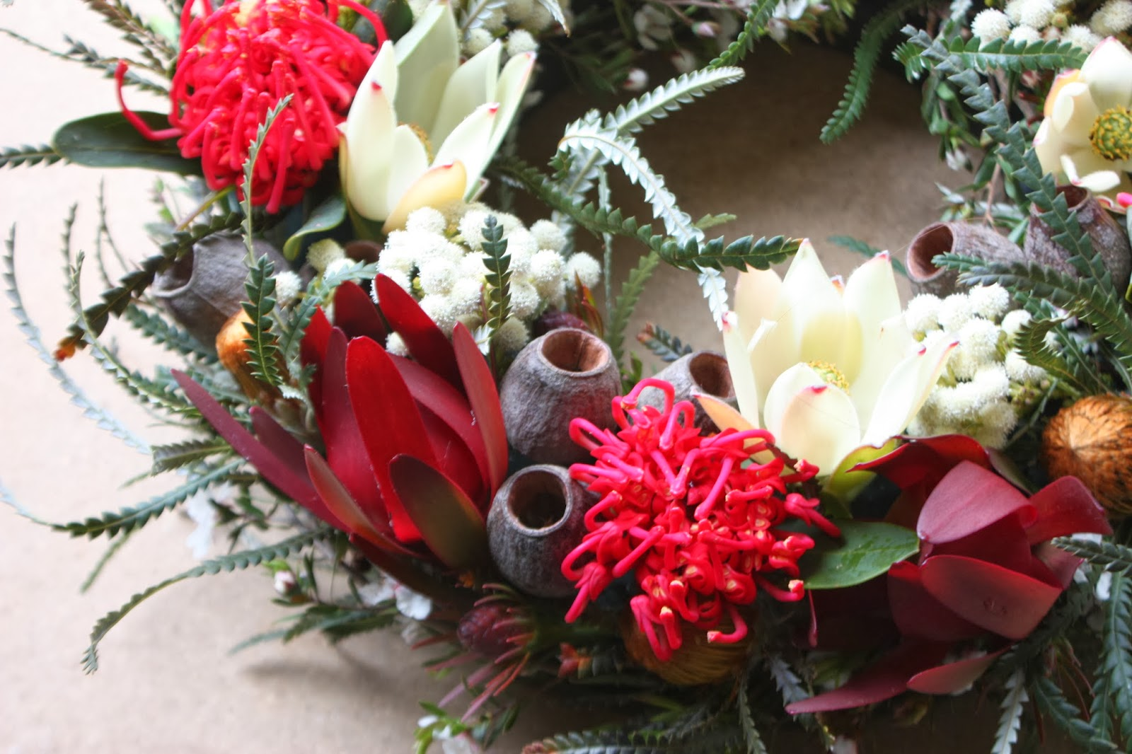 Swallows nest farm merry christmas and happy new year for Australia christmas decoration