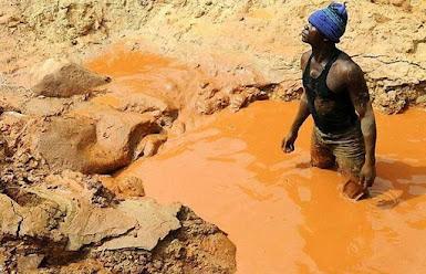 Geschiedenis van de kleinschalige goudwinning in Suriname: ruim 300 pagina's