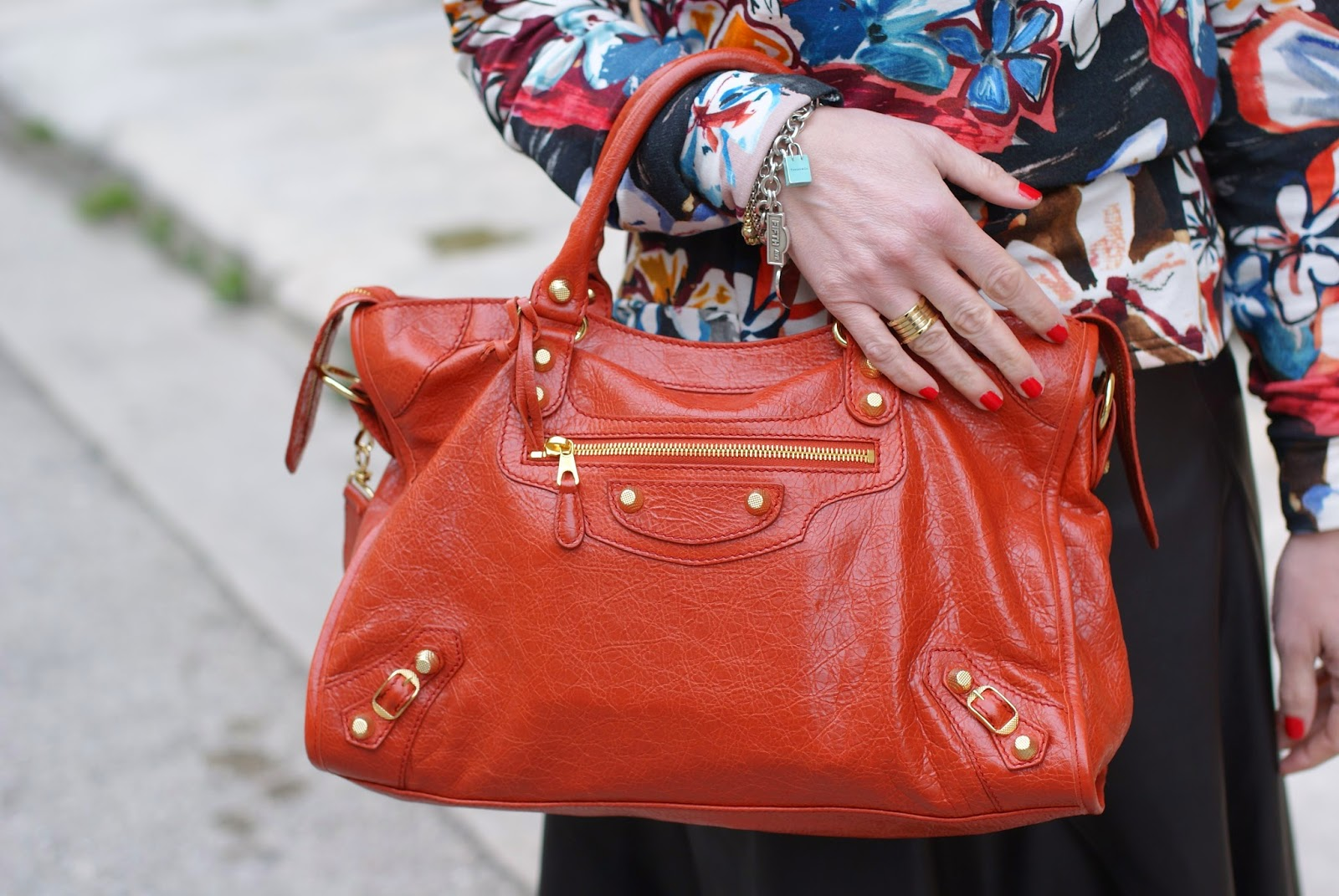 Balenciaga Bag in rouge ambre color on Fashion and Cookies fashion blog