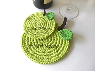 Crochet Placemat Apple