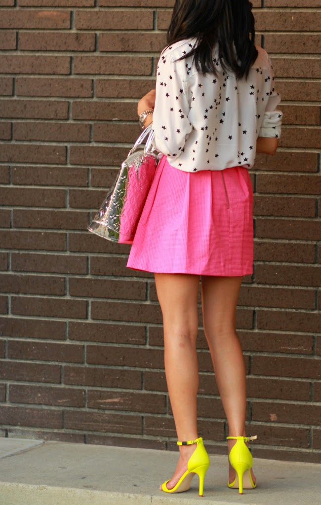 summer brights pink neon green outfit trend idea