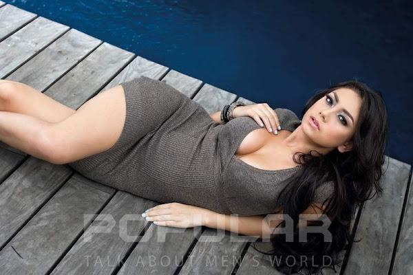 Foto Seksi dan Cantik Celine Evangelista di Majalah Popular