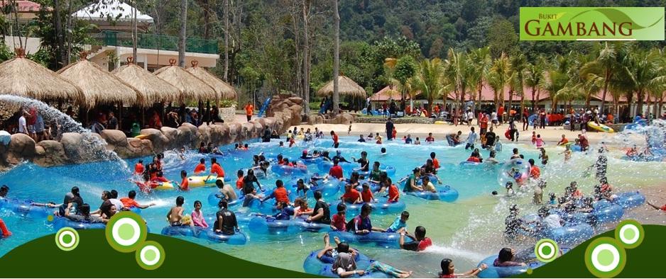 Pool Besar Yang Berombak