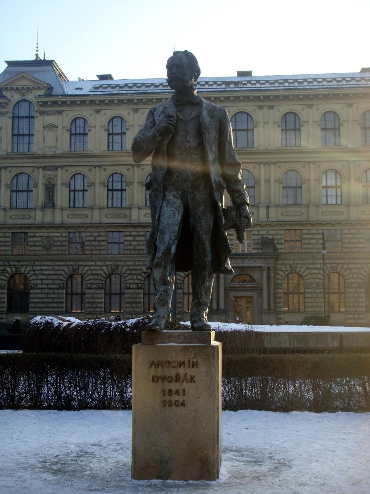 Эконом памятник Пламя Савеловская Лампадка из лезниковского гранита резная Учалы