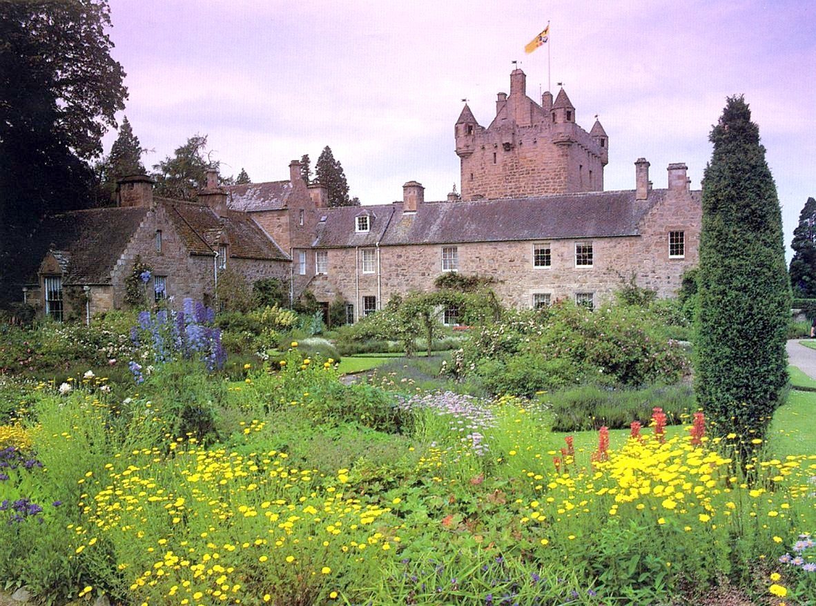 Beautiful country scotland wallpapers cute girls for Scottish highland castle house plans