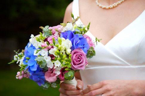 Wedding bouquet ideas 40 ideas of blue and white wedding bouquets blue pink and white wedding flowers mightylinksfo