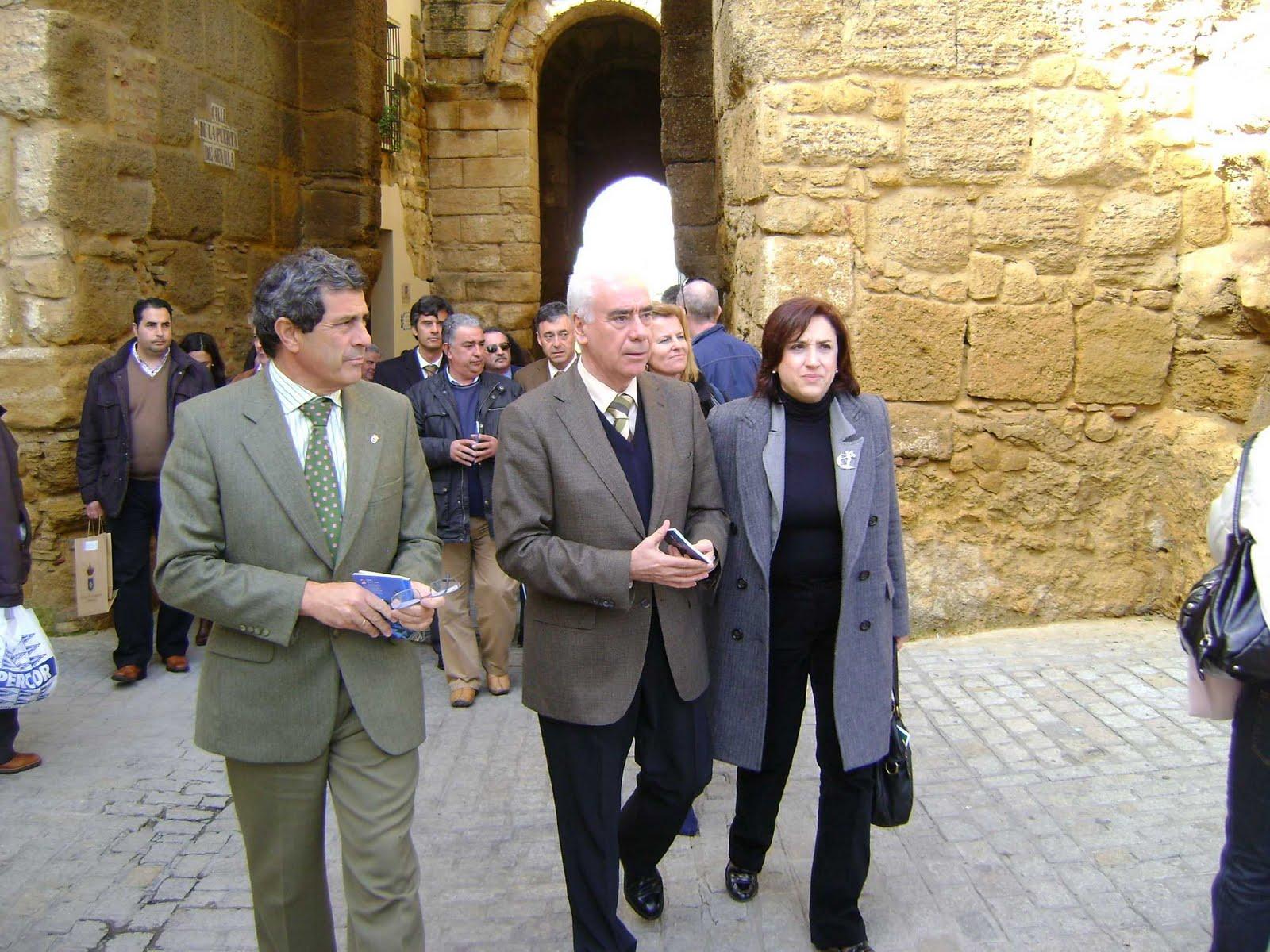 Ayuntamiento la voz de carmona el psoe contin a con su for Oficina turismo carmona