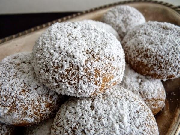 http://mycoffeebff.com/recipes/pfeffernusse-german-christmas-cookie-recipe/