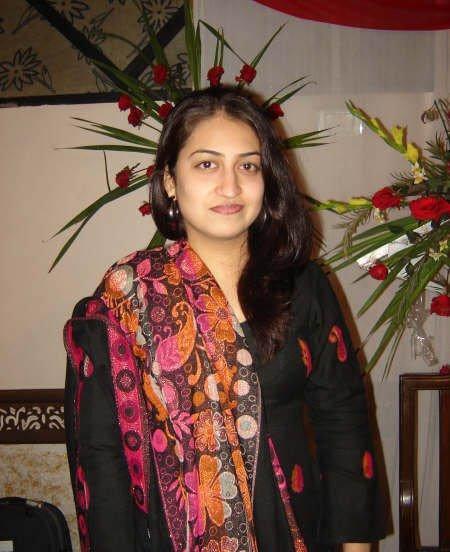 http://4.bp.blogspot.com/-LNSbxA2c3JI/TZYvZslKsdI/AAAAAAAAab4/DI4szjPIgYQ/s1600/Indian+desi+aunties-17.jpg