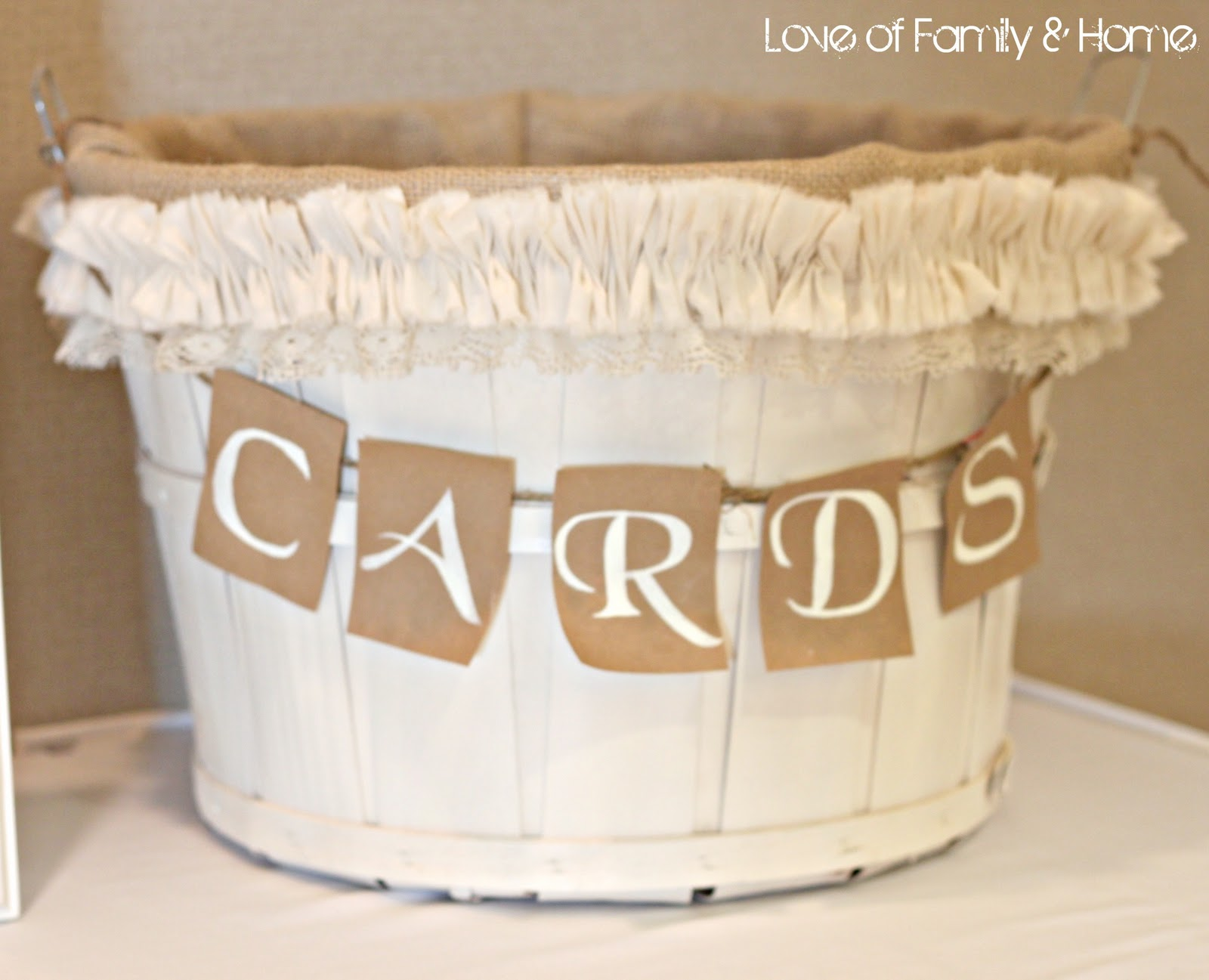Wedding Gift Card Basket : ... Cottage: Burlap Month Features: 10 Burlap-Inspired Wedding Ideas