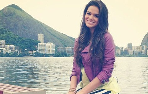 Bruna Marquezine revela como faz para se encontrar com Neymar