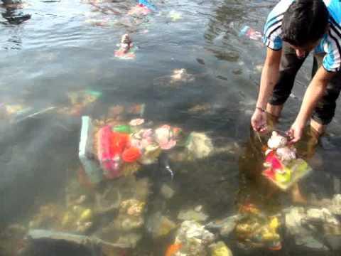 http://4.bp.blogspot.com/-LNhHLVmj_iM/UizrL5uB0XI/AAAAAAAATd8/-uATxTeTcyU/s1600/ganesh+pollution.jpg