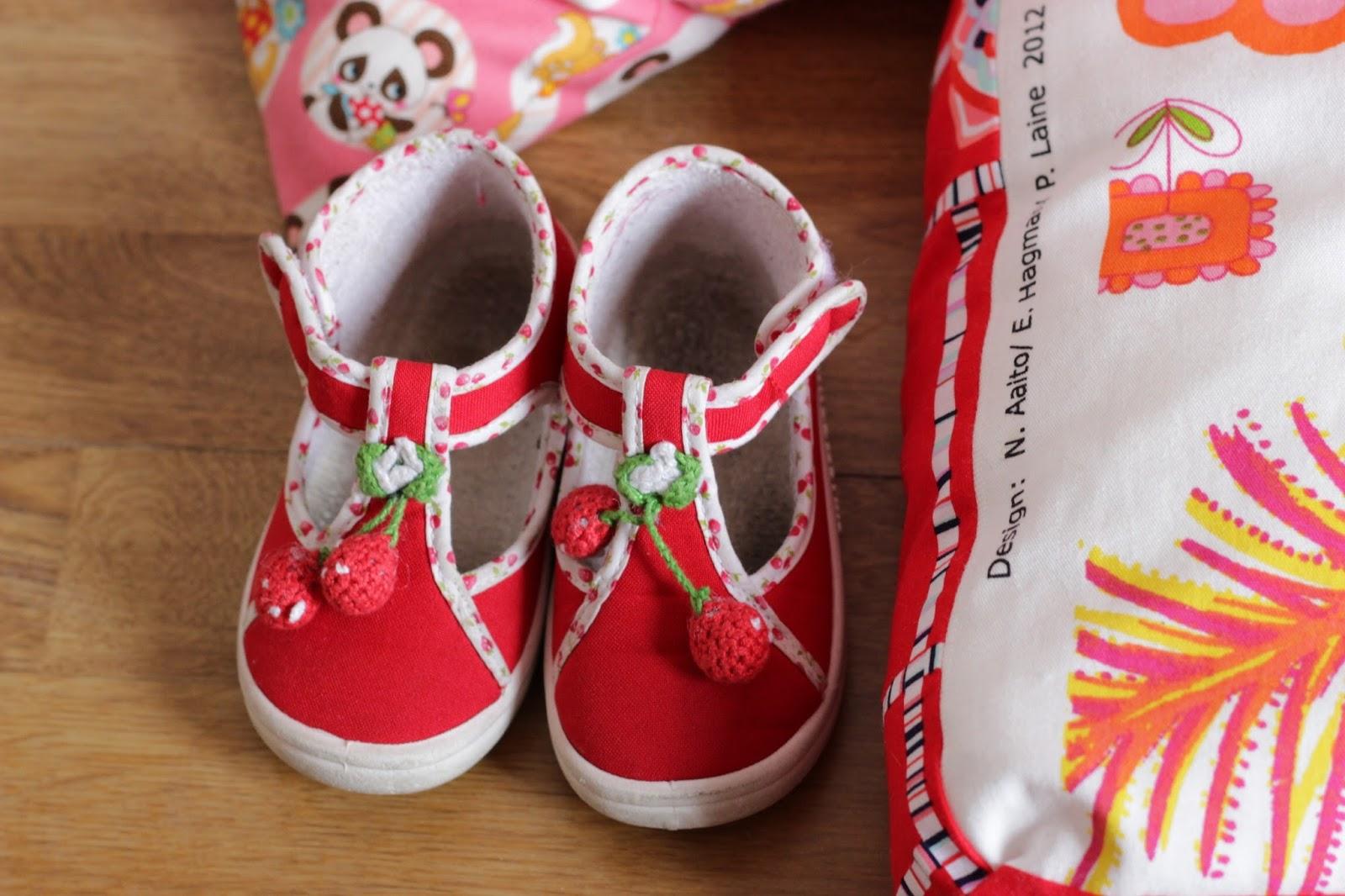 chaussons rouge cerise enfant