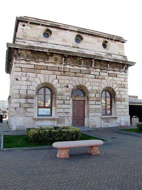 Bench, Porto Mediceo, Livorno