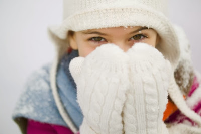 Remedies for Winter Problems - Cold Hands - fingers - Astro Uncle Ke Upay