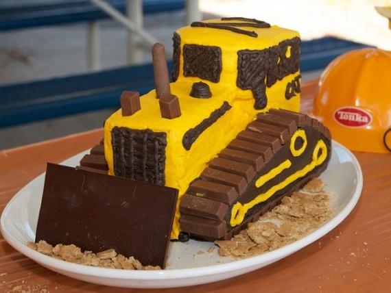 birthday cake construction birthday cakes. Black Bedroom Furniture Sets. Home Design Ideas