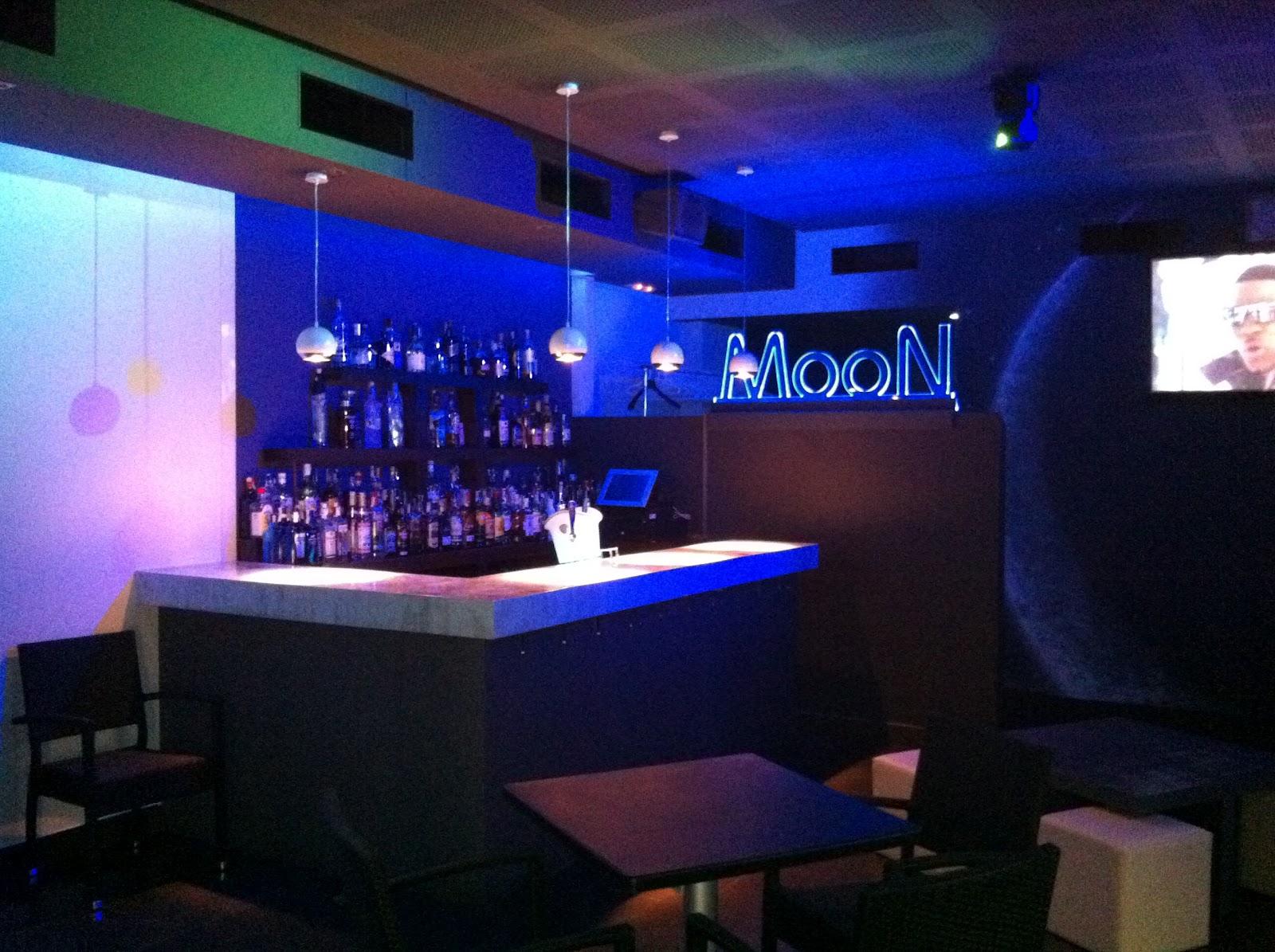 Helike art decoraci n cafe moon - Decoracion de pub ...