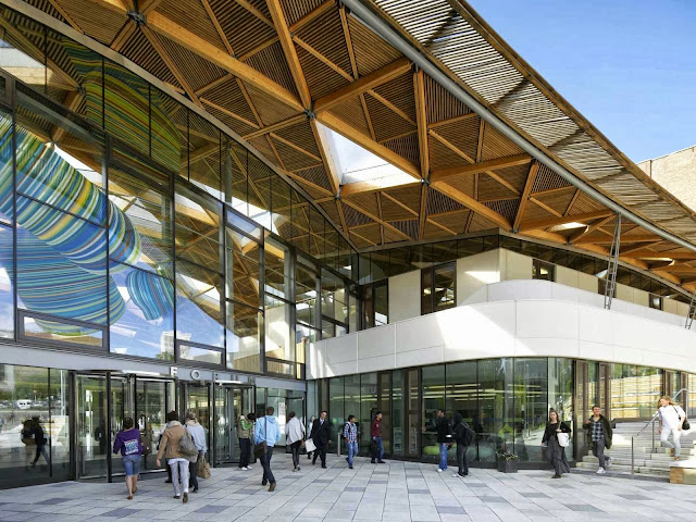 01-University-of-Exeter-Forum-by-Wilkinson-Eyre