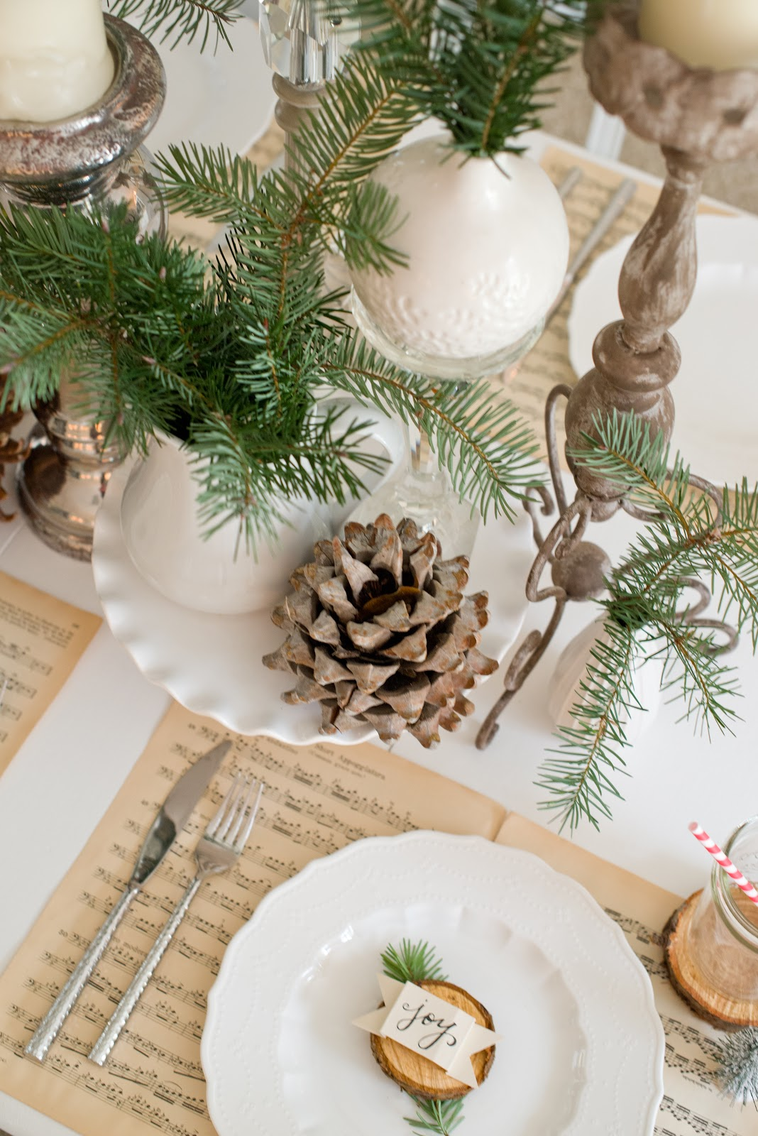 Domestic fashionista natural christmas tablescape for Decoration 31 decembre