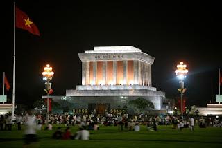 HCM mausoleum-night