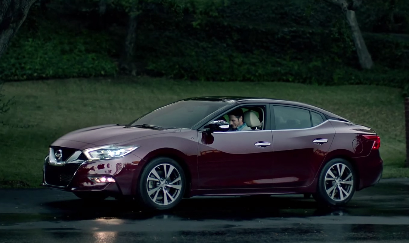 all new 2016 nissan maxima appears in super bowl ad. Black Bedroom Furniture Sets. Home Design Ideas