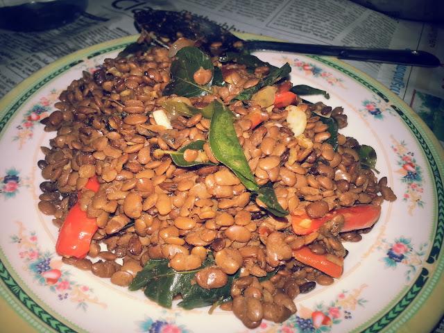 http://kunjaminas.blogspot.in/2015/11/muthira-upperi-thoran-horse-gram-recipe.html