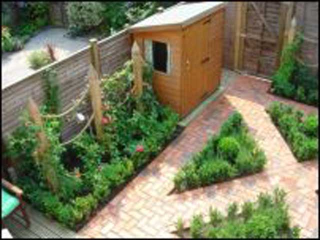 Small garden landscape for Small garden lawn designs