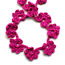 DIY easy crochet flower garland