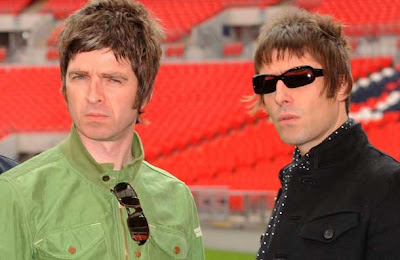 Oasis Singer Sues Brother Band Mate