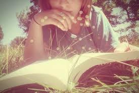 aku suka membaca...tapi bukan selalu...selalunya aku suka berangan dan mencipta ilmuku sendiri...