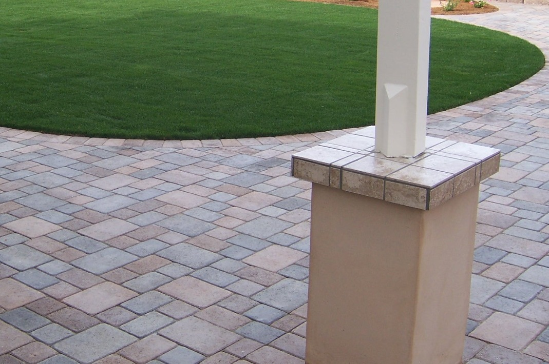 Photo   Paver Patio With Ballpark Sod Lawn