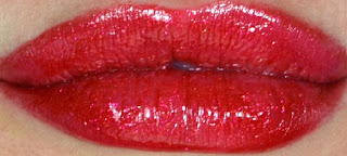 Mac - Viva glam - Lipstick - lipglass - lipgloss - collection - red lips - Rhianna - Riri - Swatches - review
