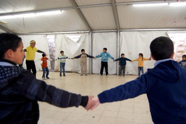 Crianças palestinas praticam a capoeira em Jerusalém Oriental