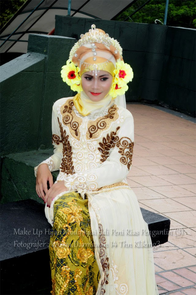 Make Up Hijab Modifikasi Edi Peni Rias Pengantin (3) - Fotografer : Wisnu Darmawan 14th Klikmg3   Talent : Thresia Model Purwokerto