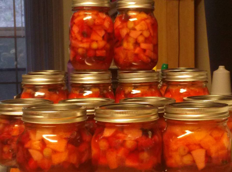 Canning Fruit Salad in a Jar - Canning Homemade!
