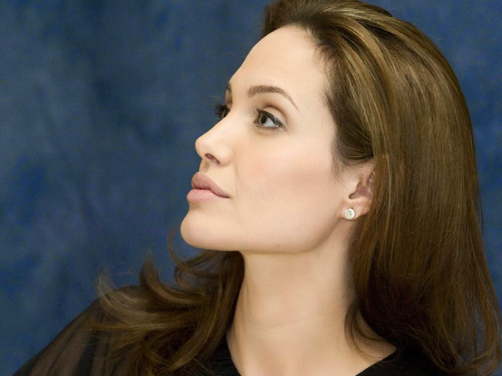 Angelina Jolie Hd Wallpapers Free Download