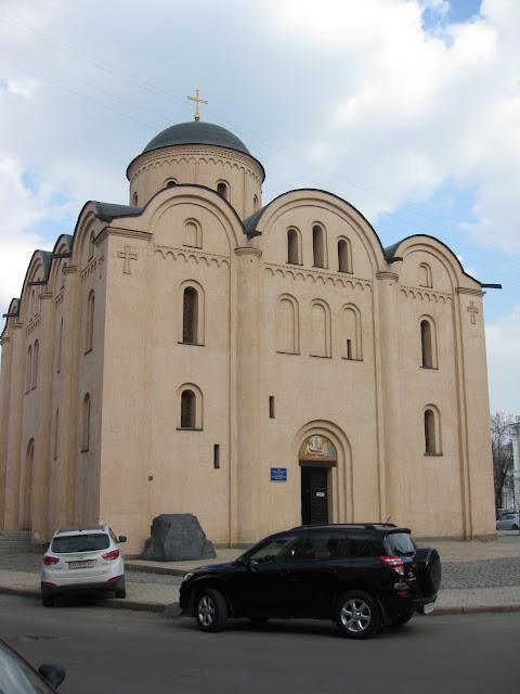 церковь Успения пресвятой Богородицы (Пирогощи)