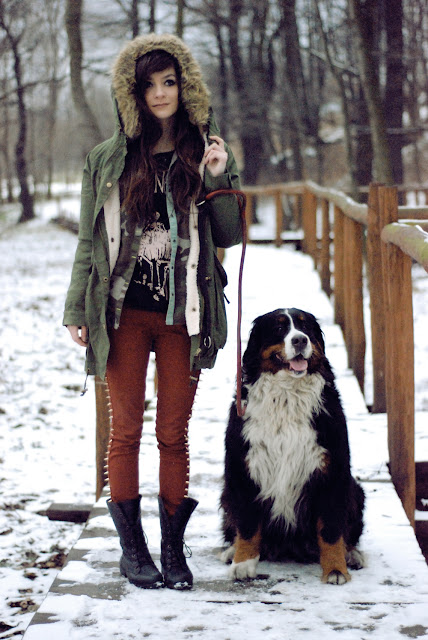 girl, with, bearnese, mountain, dog, lookbook, style, street, fashion, dziewczyna, berneńczyk